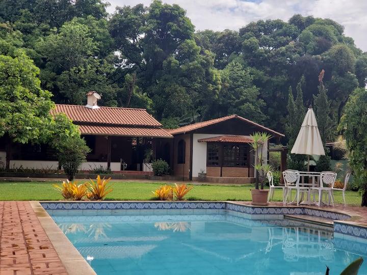 Lindo sítio com piscina, área nobre, Lagoa Santa.