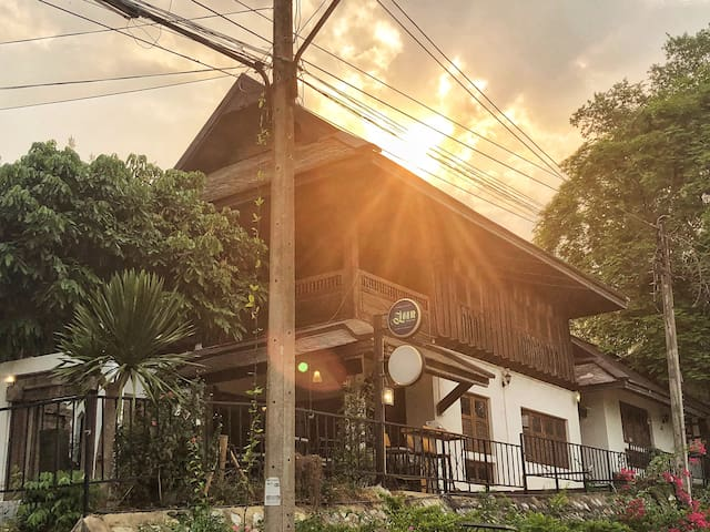 【榭·舍  可长期租】必住秘密花园般兰纳风格的柚木酒店/靠近宁曼路门口就是网红滑梯咖啡店