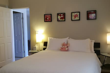 SECURE, FULLY FURNISHED GUEST HOUSE, POWAY - Poway - บ้าน