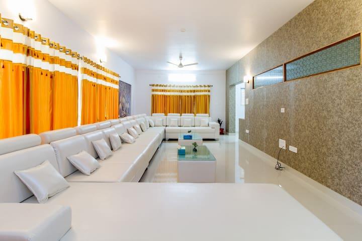 Prasad Stay Manyata Tech Park - Deluxe Family Room