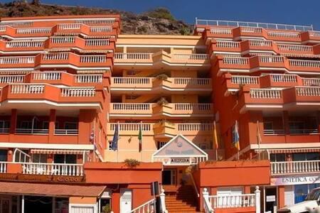 Los Gigantes, Colonial Parque - 桑蒂亚戈德尔泰德(Santiago del Teide) - 公寓