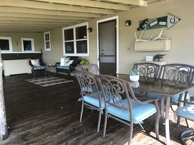 Arrow C Ranch Bunkhouse-Lake Conroe