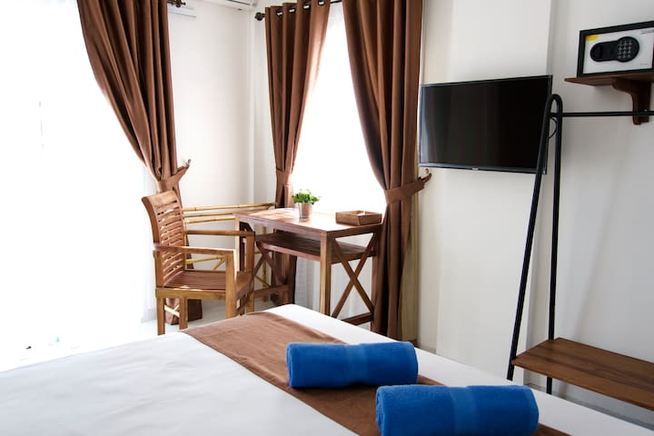 Private room with TV, AC and bathroom