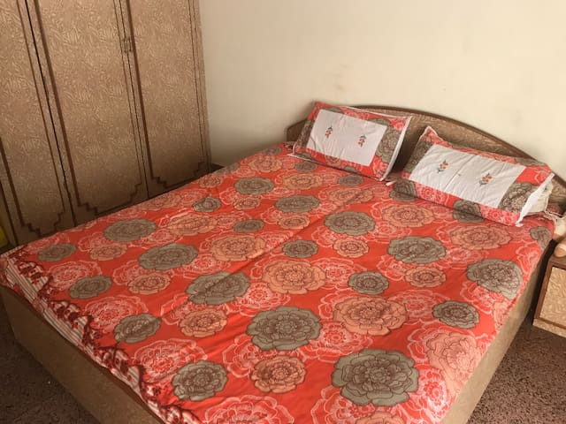 Room for 2 at Chandivali, very near to powai!
