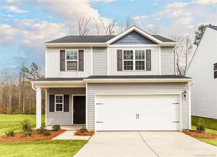 Brand-New Two story house near Airport  & Downtown
