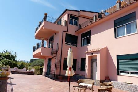 Villa Massimo per Famiglie-Gruppi-Associazioni - Gioiosa marea
