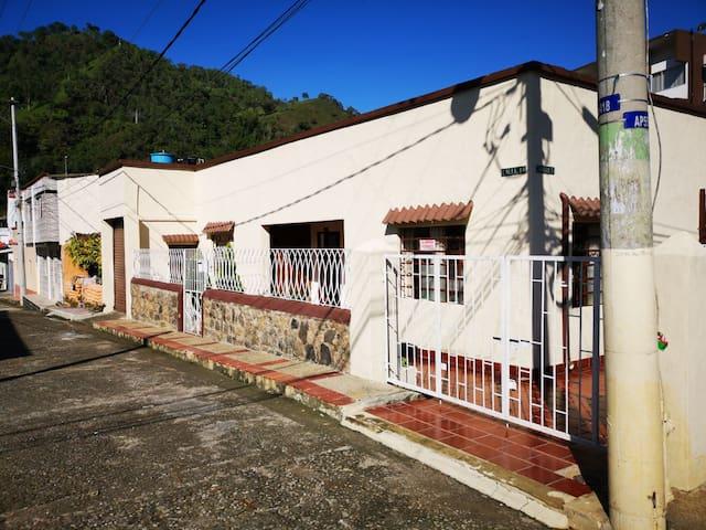 Casa Tres Faros, La Vega, Cundinamarca.