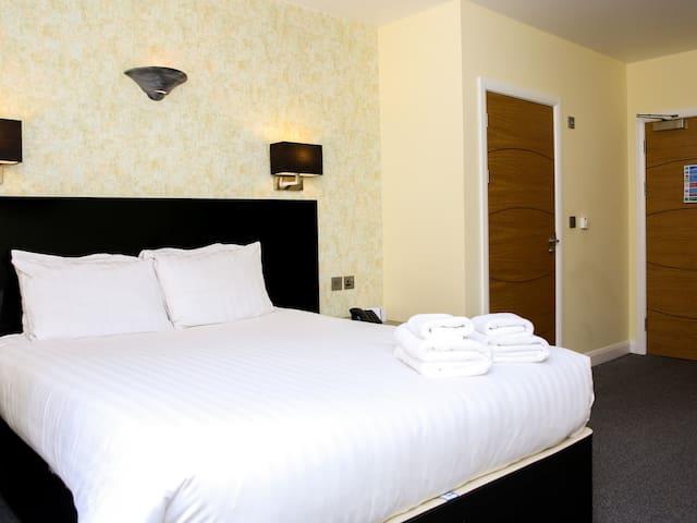 Double room-Classic-Wet room