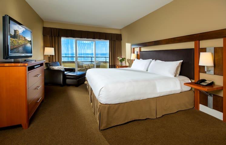 1BR Spacious Beach Front Suite