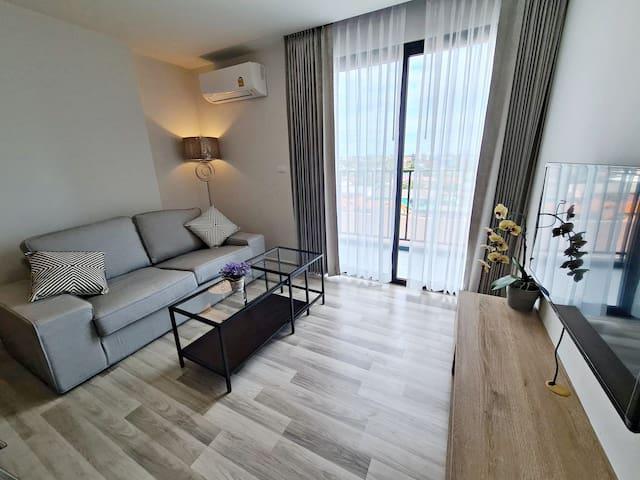 50 sq.m Deluxe 1 Bedroom - The Win Condominium