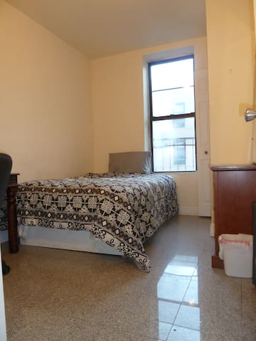 Clean  & Convenient Room Close to Central Park