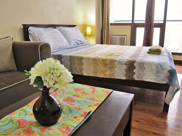 Legaspi Parkview Condo for Family / Groups nr Mall - Makati - Appartement