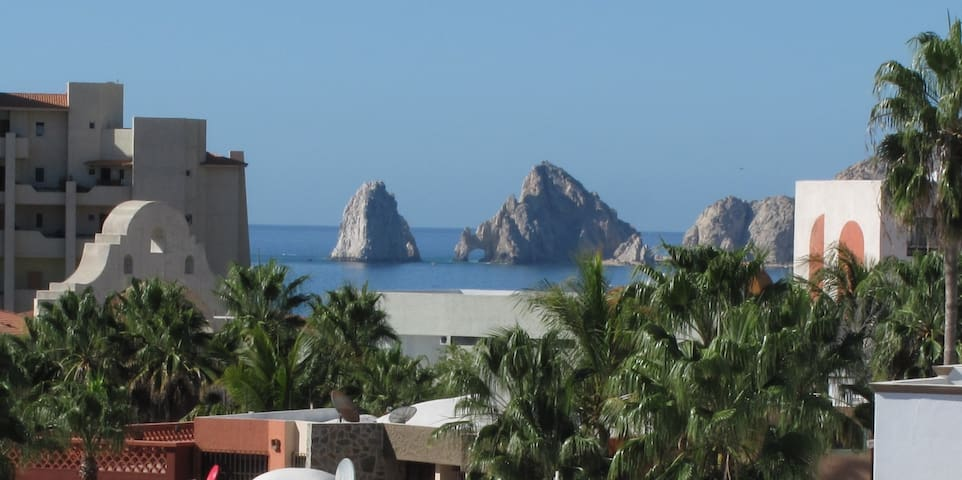 Cozy Cabo Condo with Arch View