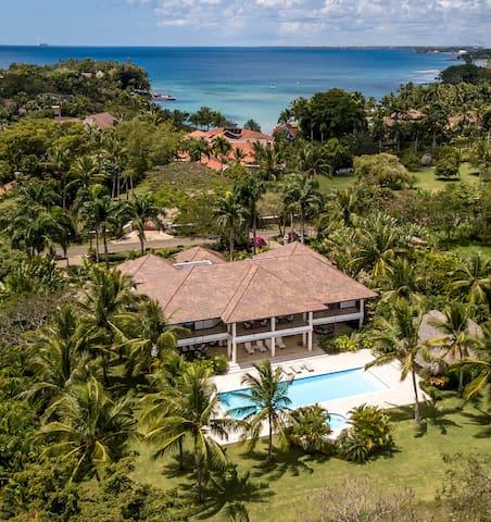 Caribbean villa beach and golf