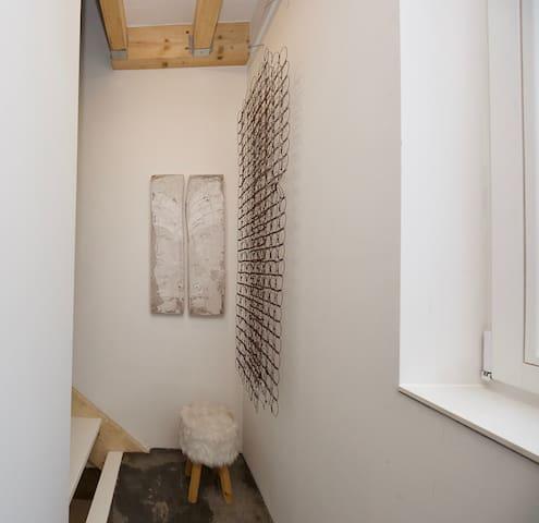 Treppenaufgang von Wohnküche in die Schlafetagen