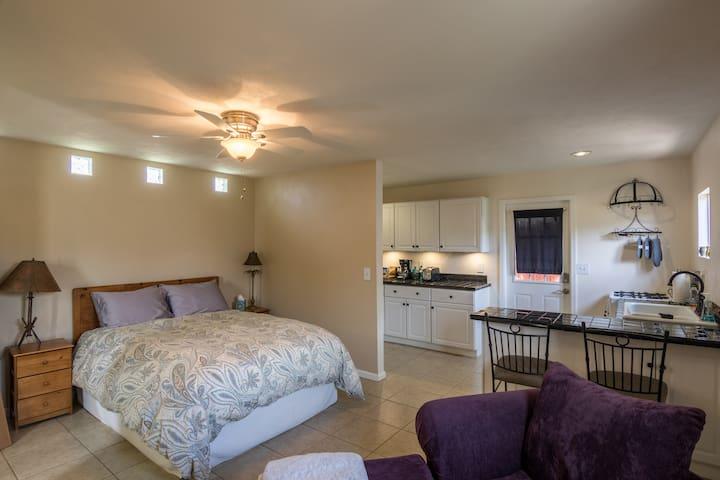 Central Phoenix Guest Suite