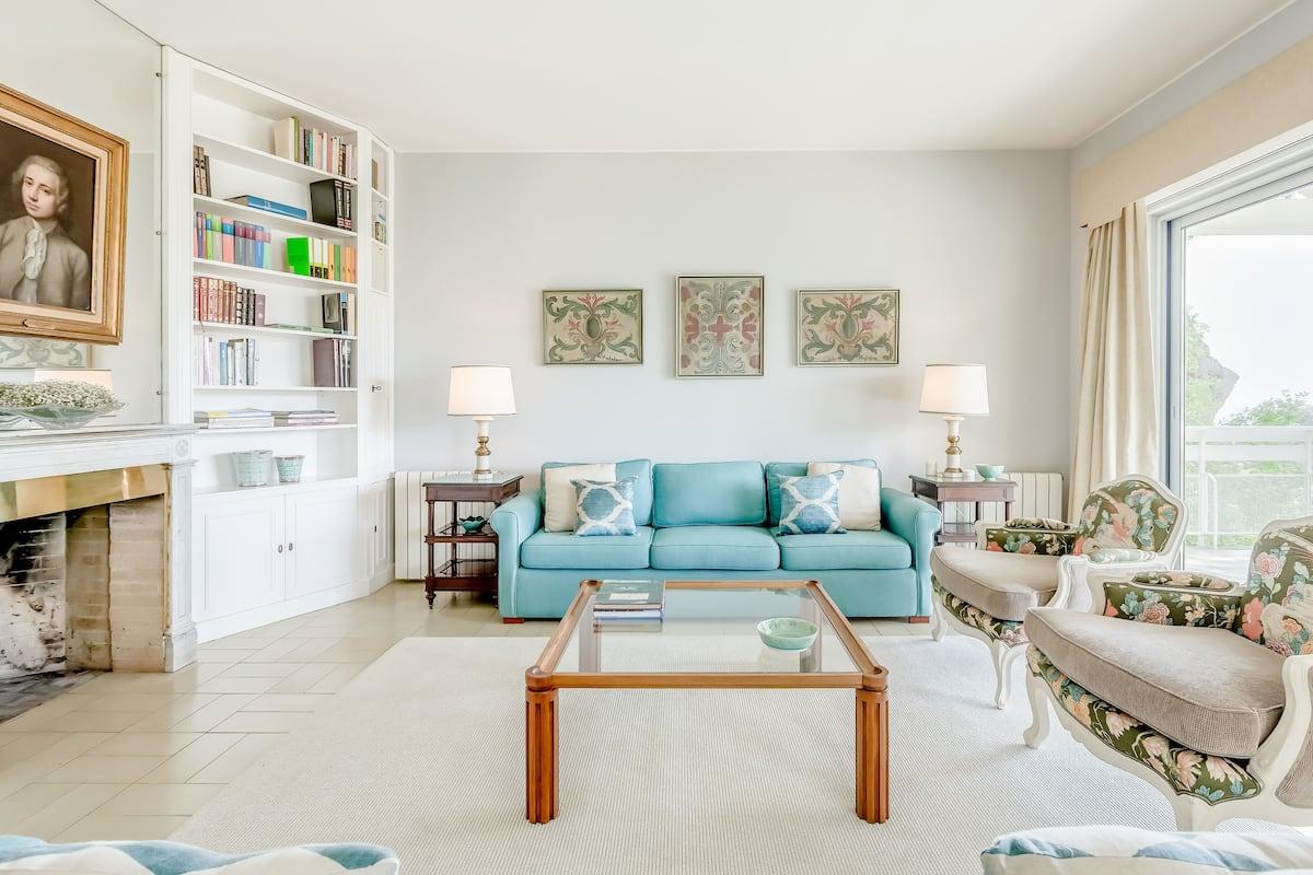 Casa com Vista Magnífica para o Mar e Jardim Privado