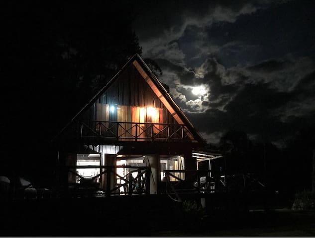Unique Mountain Getaway Cabin