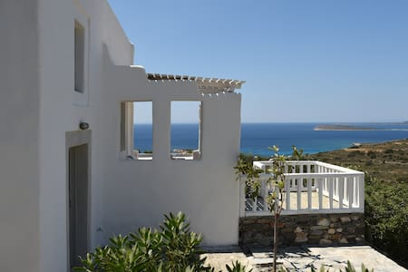 Beautiful Villa near the Faragas beach - Agkeria