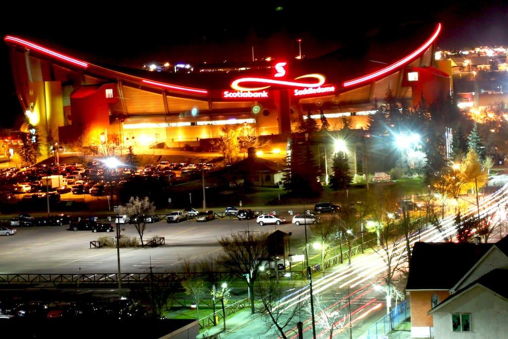 Near Bmo Center Saddledome Stampede Condominiums For