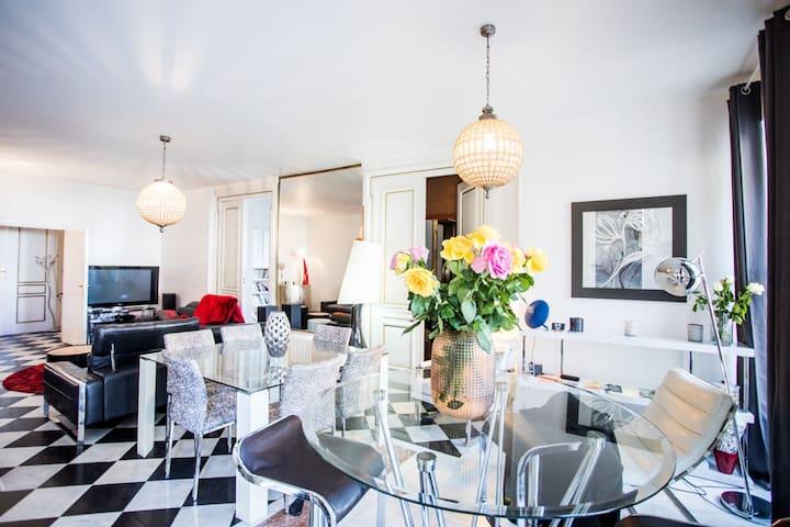 Château du  Chabaud :  chambre privée dans appartement bourgeois