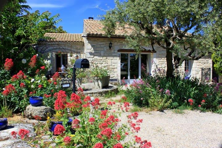 Location à la semaine en Drôme Provençale