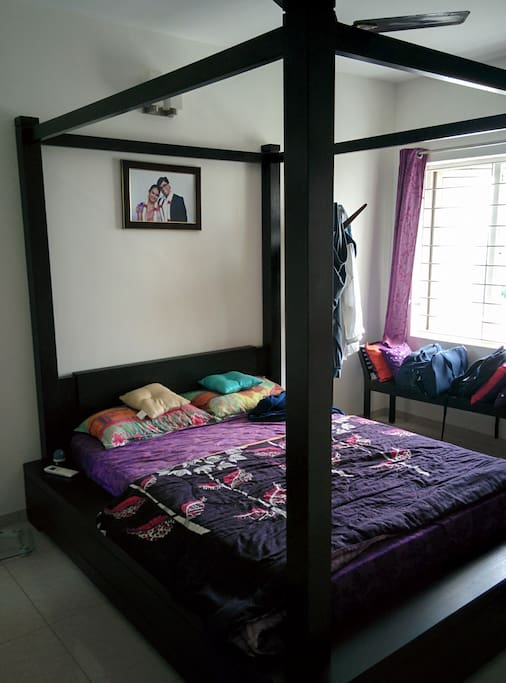 Guest Bed room - Poster bed