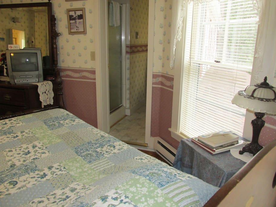 Cable TV/DVD, private bathroom with shower stall.