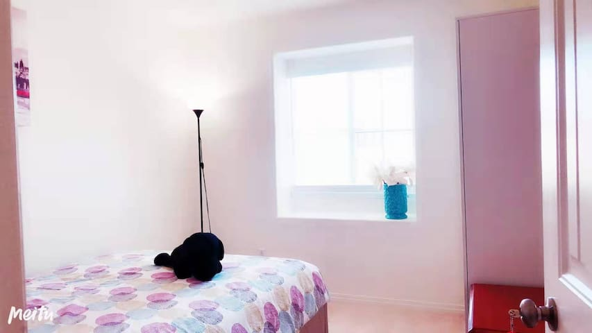 3.Cozy Room /Fast Wifi / Self check in/紧邻公园