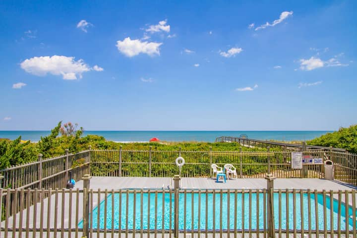 Oceanfront Condo, Top Floor with Ocean Views, Private Pool & Private Beach Access, Pet Friendly