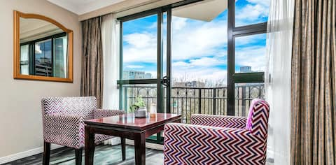 New Year Bargain - Auckland CBD Studio Apartment
