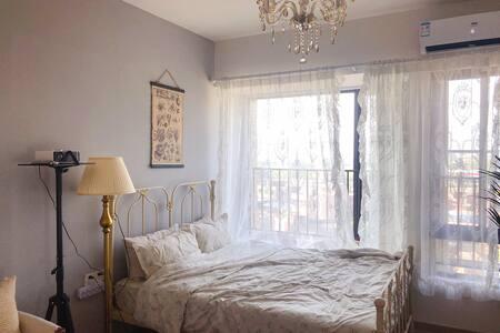 「Julie's home」时代花城小区法式小洋房vintage巴洛克/黄腾峡/古龙峡漂流/银盏温泉
