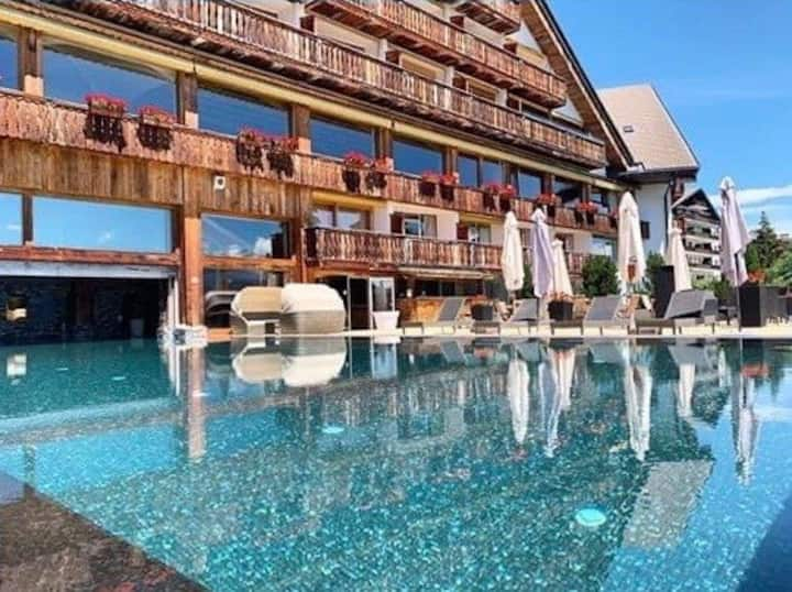 4* Romantic Studio Ski and Spa in Crans-Montana