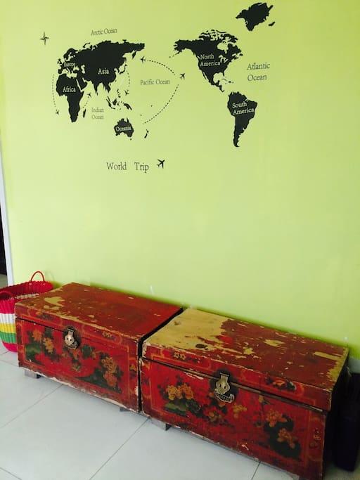 有年代的红木箱子~