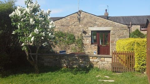 Garden Cottage - rural idyll with own paddock