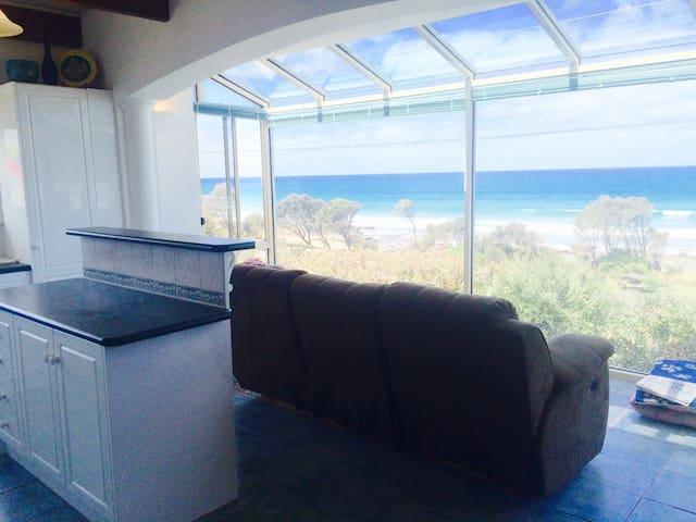 Cozy Ocean Views - Lorne - Apartament