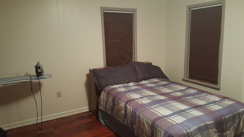 Spacious room only 10 min walk from downtown - Williamsport
