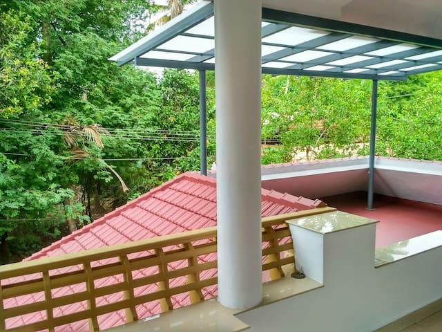 Near Kochi Airport -Two Bedroom AC Aprt. DRO Homes