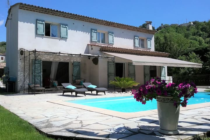 Peaceful Villa in Saint Paul de Vence with Swimming Pool