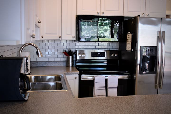 Clean, Updated 1BR Condo - Osage Beach