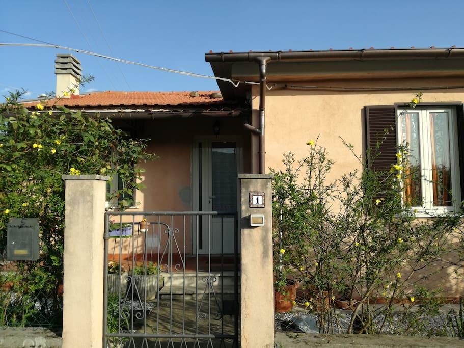fronte casa/ingresso