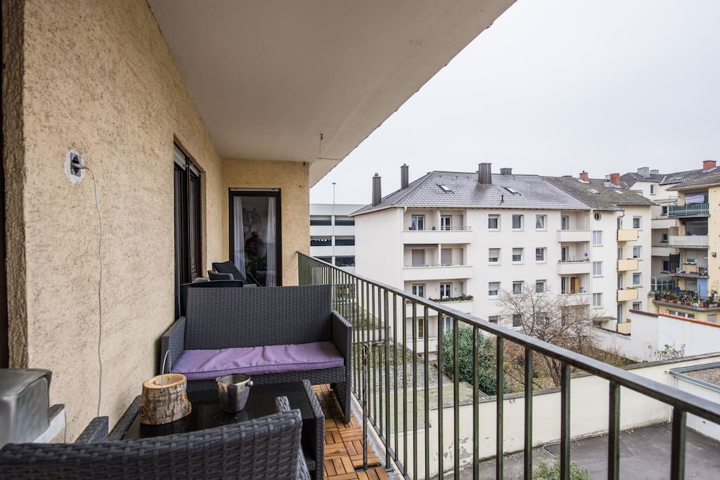 noise free room in city center w balcony apartments for rent in ludwigshafen am rhein. Black Bedroom Furniture Sets. Home Design Ideas