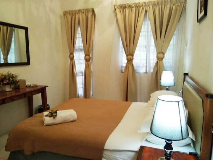 Ainis Guest House - Cozy, Comfortable & Affordable