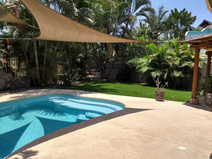 PONCHO'S VILLA CASA & CASITAS 4 BDRM PRIVATE POOL!