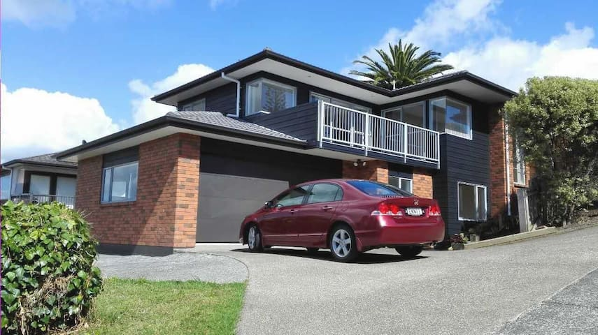 Spacious 2 bedroom unit Browns Bay - Auckland - House