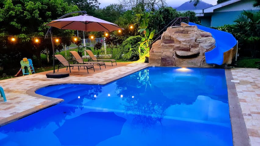 La Fortuna Arenal  Modern Home with Private Pool.