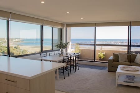 Boutique Stay at St Kilda Beach with amazing views