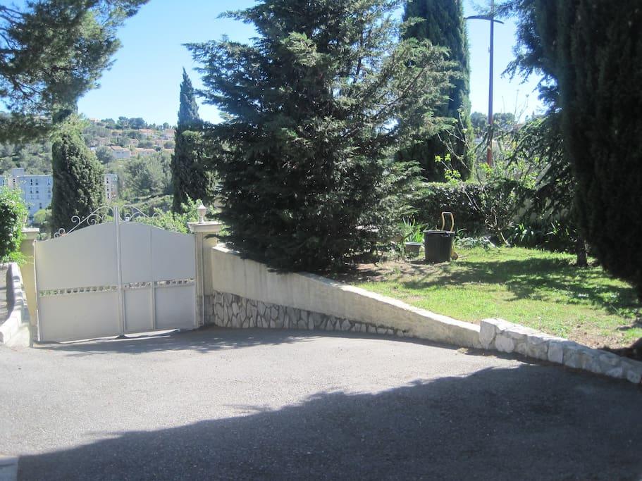 Jardin pour bain de soleil