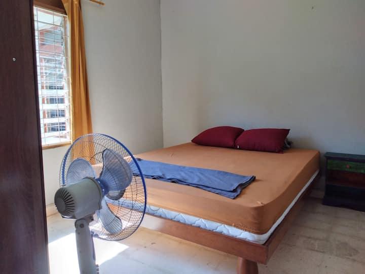 Basic Room in Central Denpasar