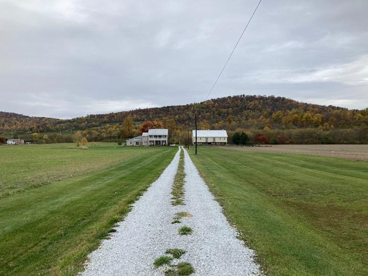 Simple Farmhouse, Gettysburg/mtns. close, King bed